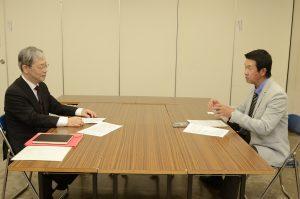 八木裕さんからのインタビュー風景